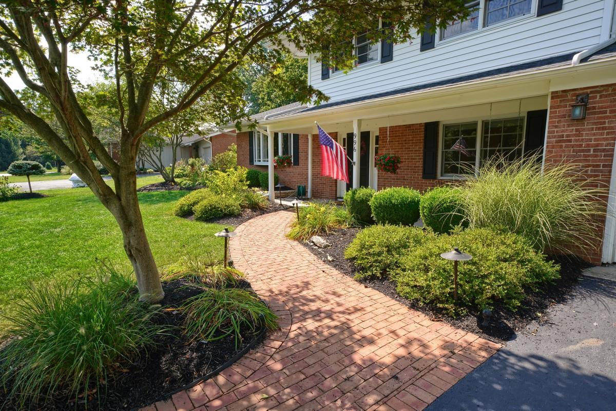 996 Clubview Boulevard, Columbus, Ohio 43235, 4 Bedrooms Bedrooms, ,3 BathroomsBathrooms,Residential,For Sale,Clubview,220032439