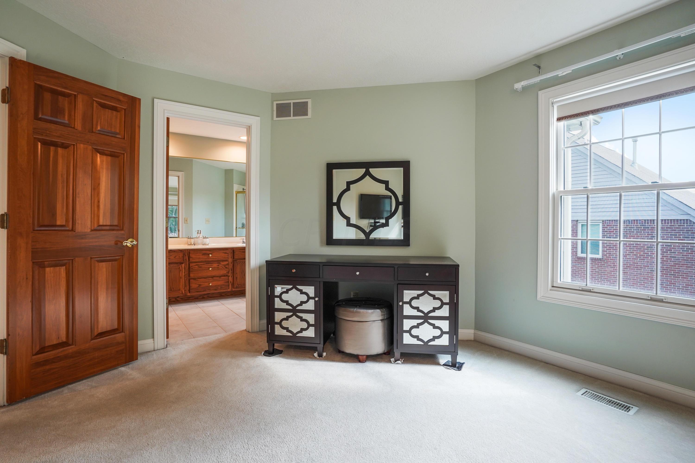 3405 Stonevista Lane, Columbus, Ohio 43221, 4 Bedrooms Bedrooms, ,3 BathroomsBathrooms,Residential,For Sale,Stonevista,220032440