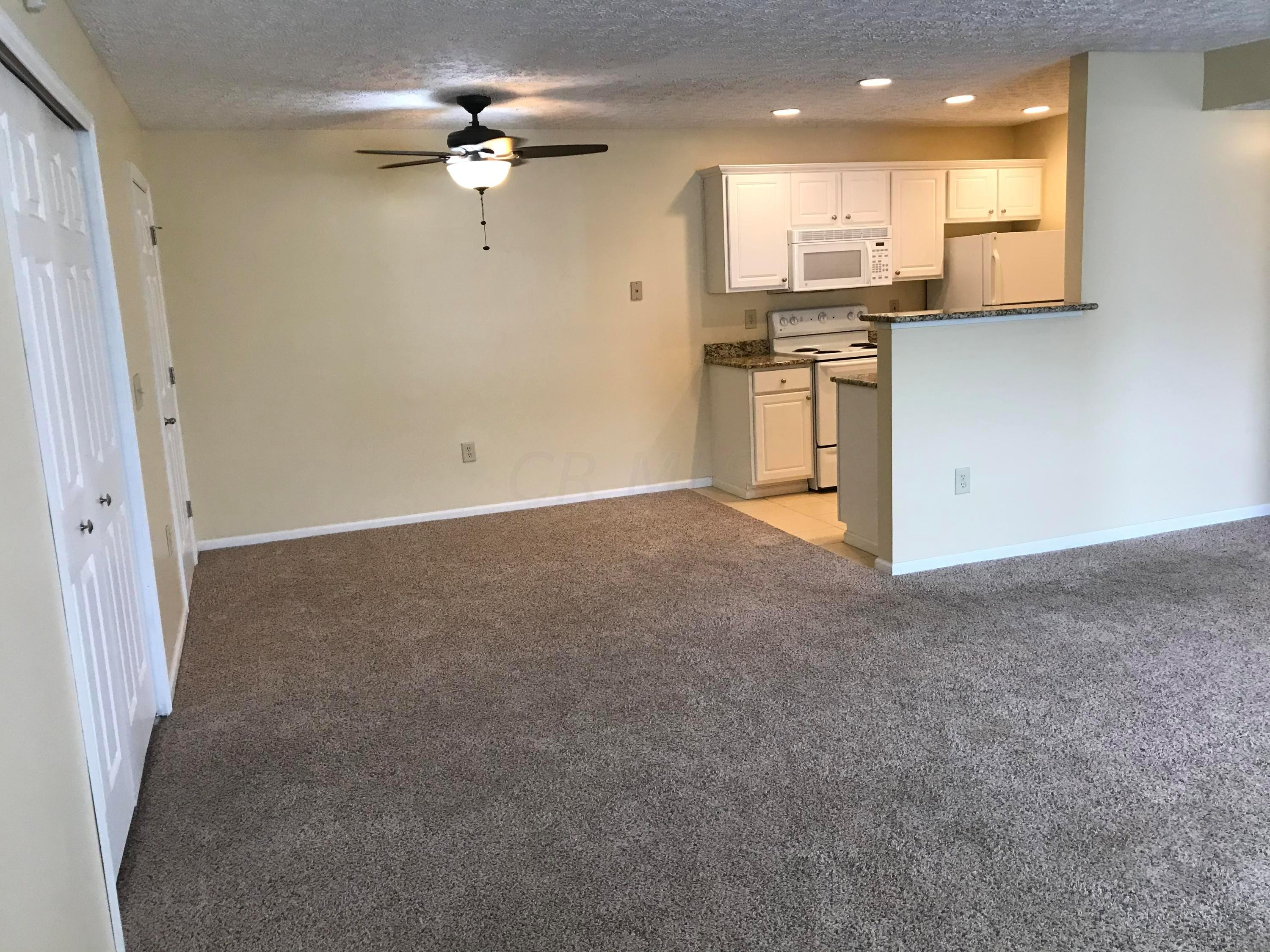 5582 Cypress Chase, Columbus, Ohio 43228, 1 Bedroom Bedrooms, ,1 BathroomBathrooms,Residential,For Sale,Cypress Chase,220032428
