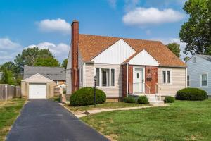 Undefined image of 2120 Inchcliff Road, Upper Arlington, OH 43221