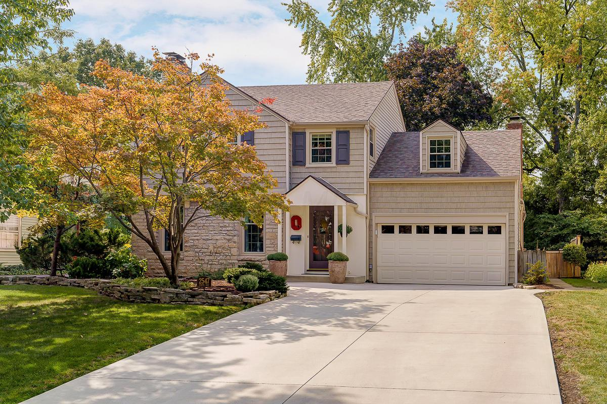 Property for sale at 2547 Berwyn Road, Upper Arlington, Ohio 43221
