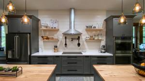 500 sq. ft. Chefs DREAM Kitchen! New GE Cafe' SS appliances.