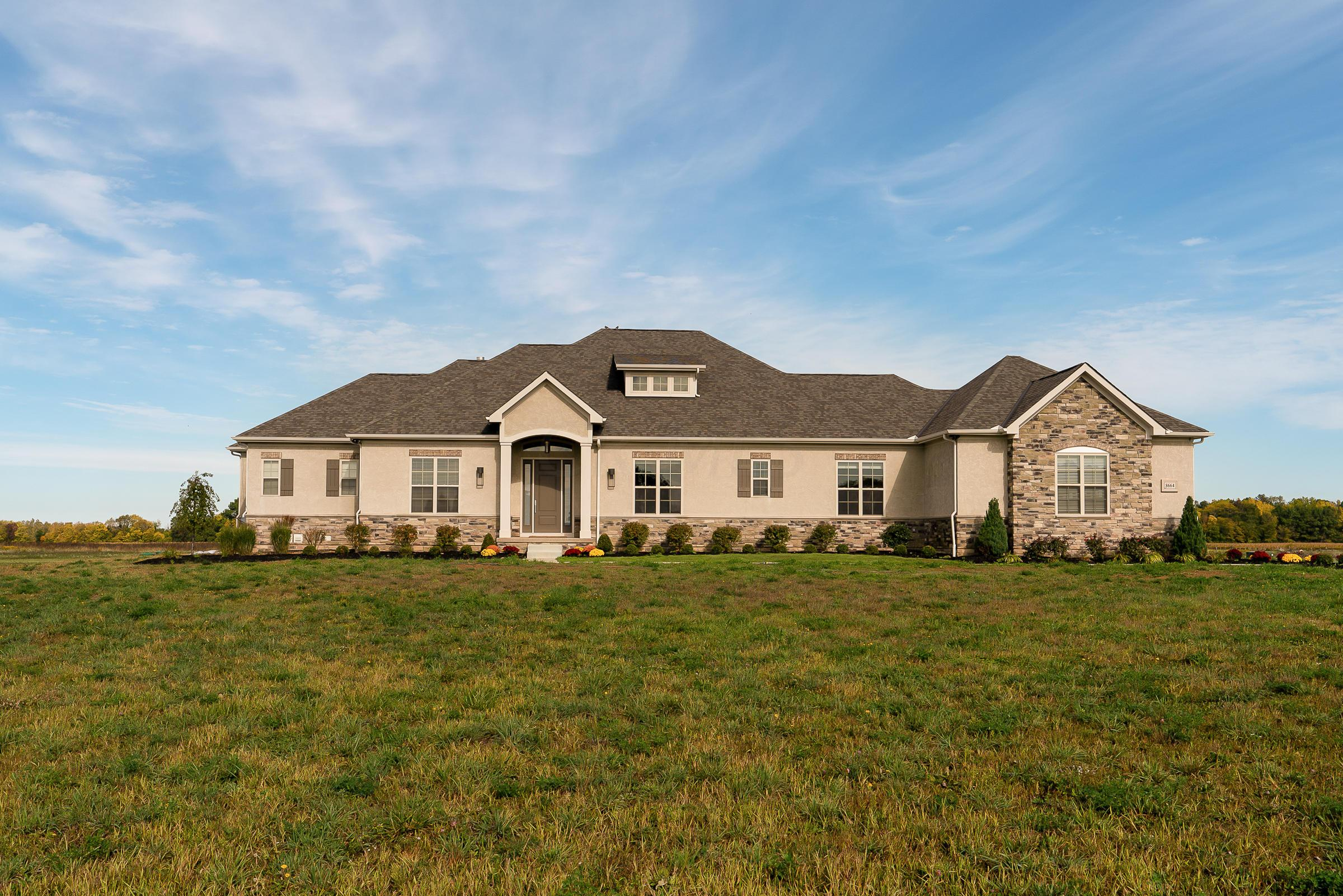 Photo of 8664 Patterson Road, Hilliard, OH 43026