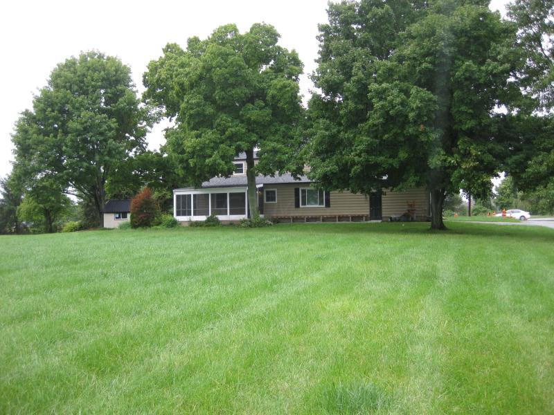 8119 Old State Road, Lewis Center, Ohio 43035, 4 Bedrooms Bedrooms, ,3 BathroomsBathrooms,Residential,For Sale,Old State,220034523