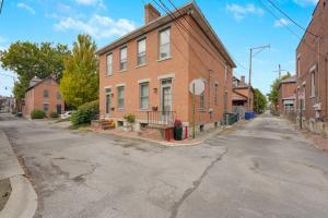 226 Berger Alley, Columbus, OH 43206
