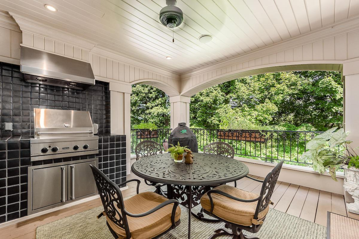 Deck features built-in Viking grill