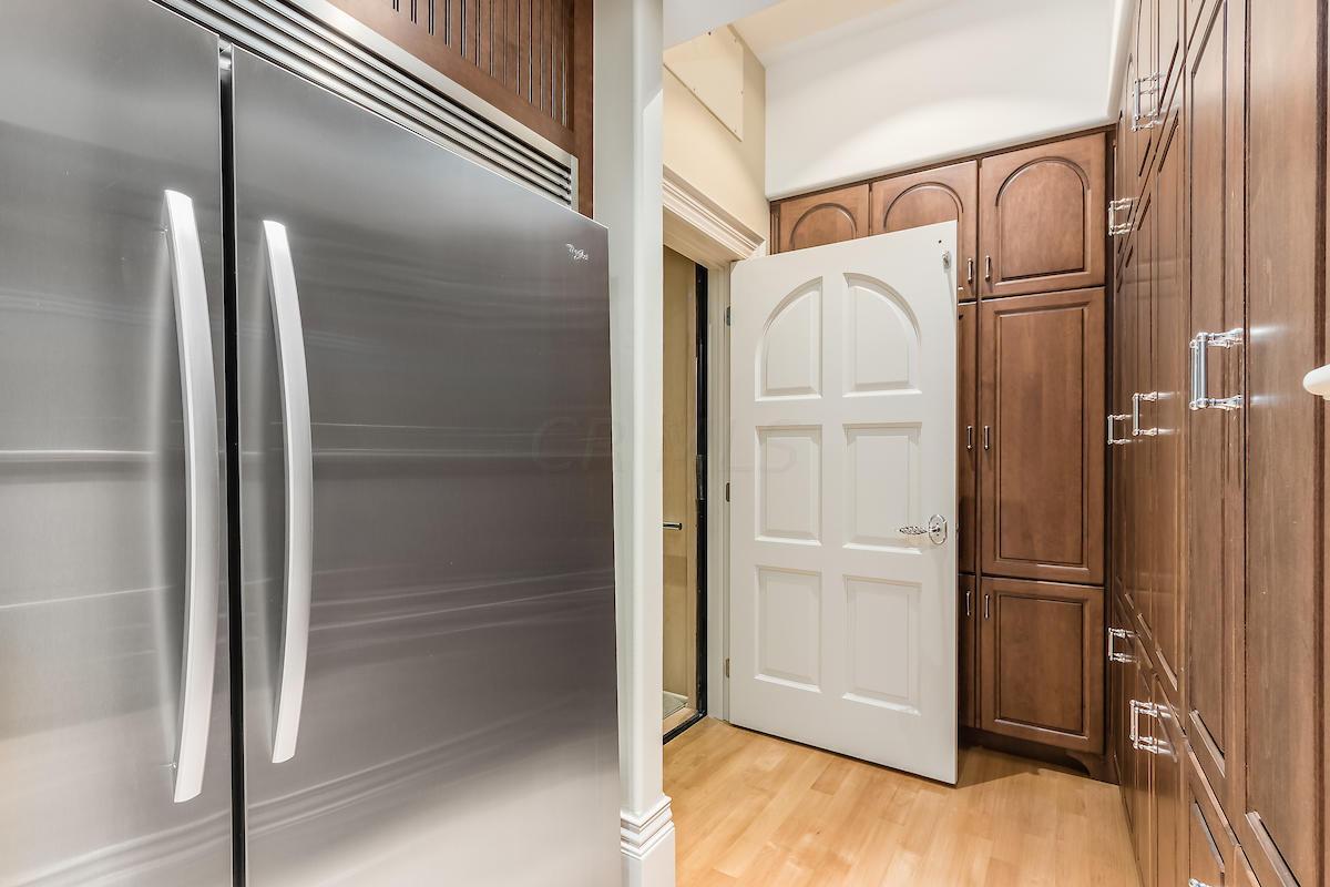 Caterer's refrigerator/freezer
