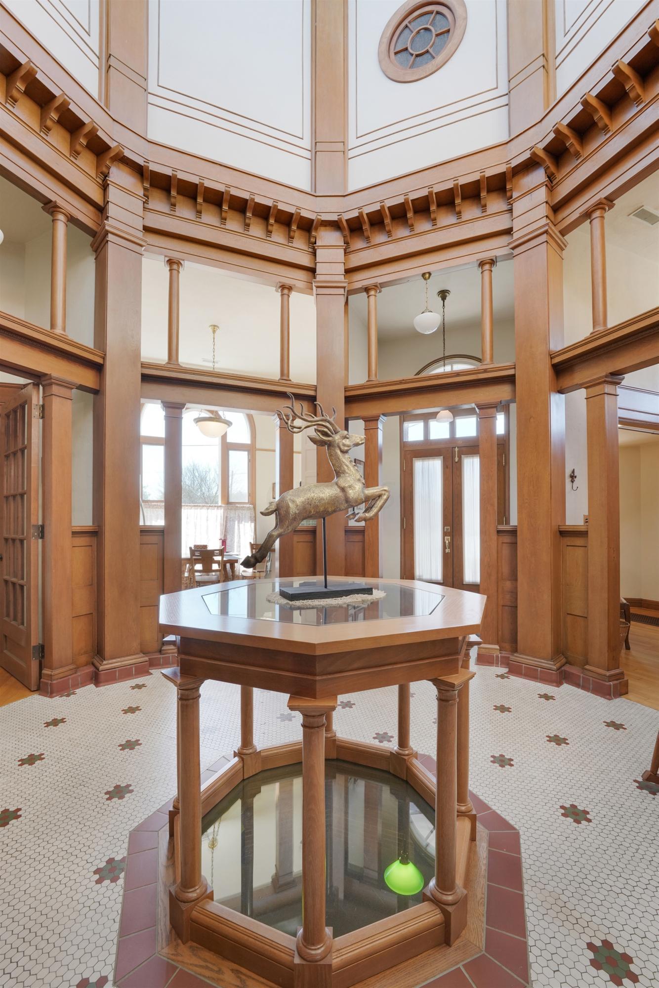 Lobby/Foyer
