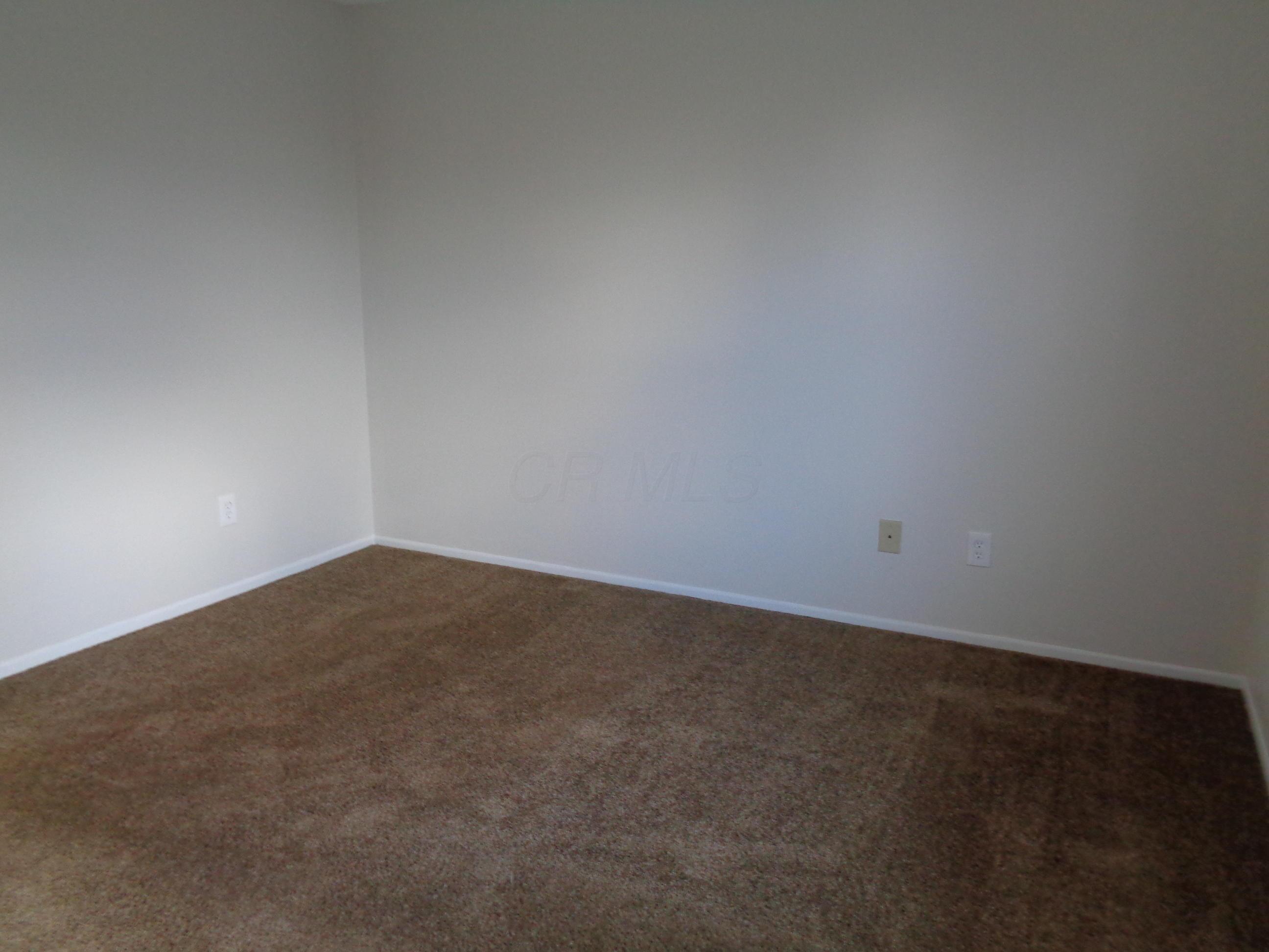 5005 Stoneybrook Boulevard, Hilliard, Ohio 43026, 2 Bedrooms Bedrooms, ,2 BathroomsBathrooms,Residential,For Sale,Stoneybrook,220038679