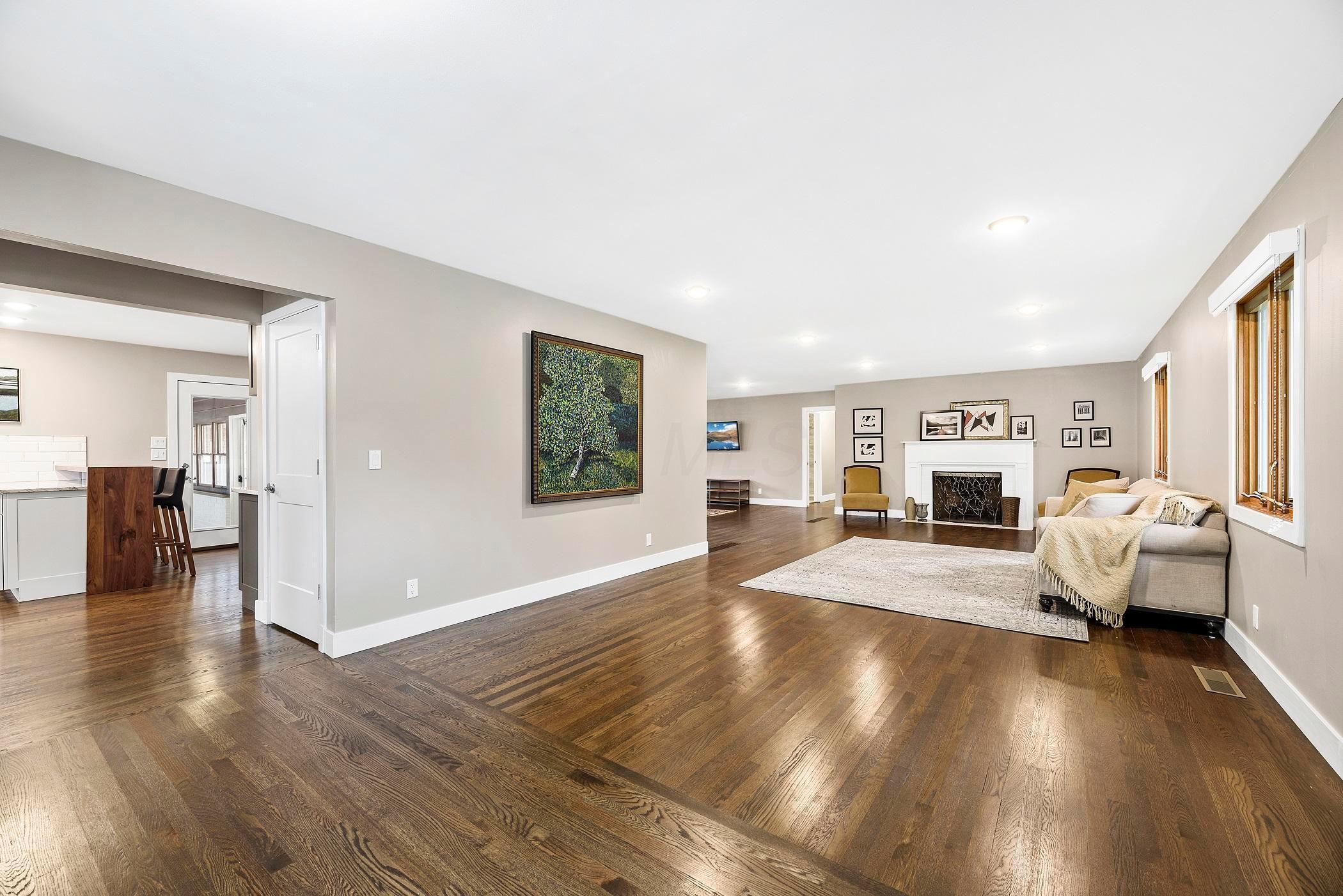 1610 Pemberton Drive, Columbus, Ohio 43221, 3 Bedrooms Bedrooms, ,3 BathroomsBathrooms,Residential,For Sale,Pemberton,220038385
