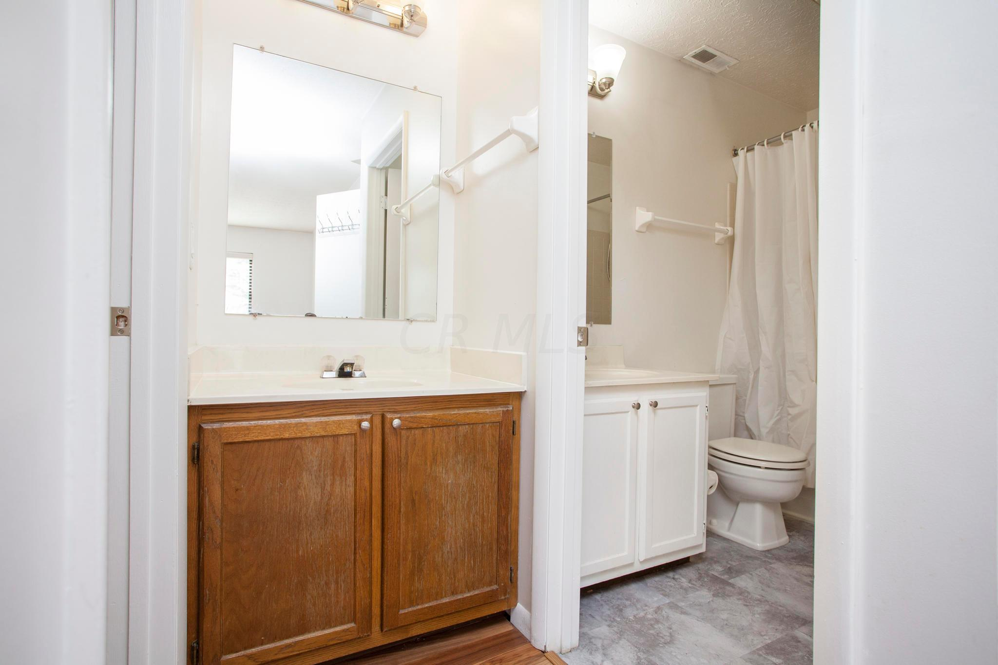 2271 Hedgerow Road, Columbus, Ohio 43220, 2 Bedrooms Bedrooms, ,1 BathroomBathrooms,Residential,For Sale,Hedgerow,220038969
