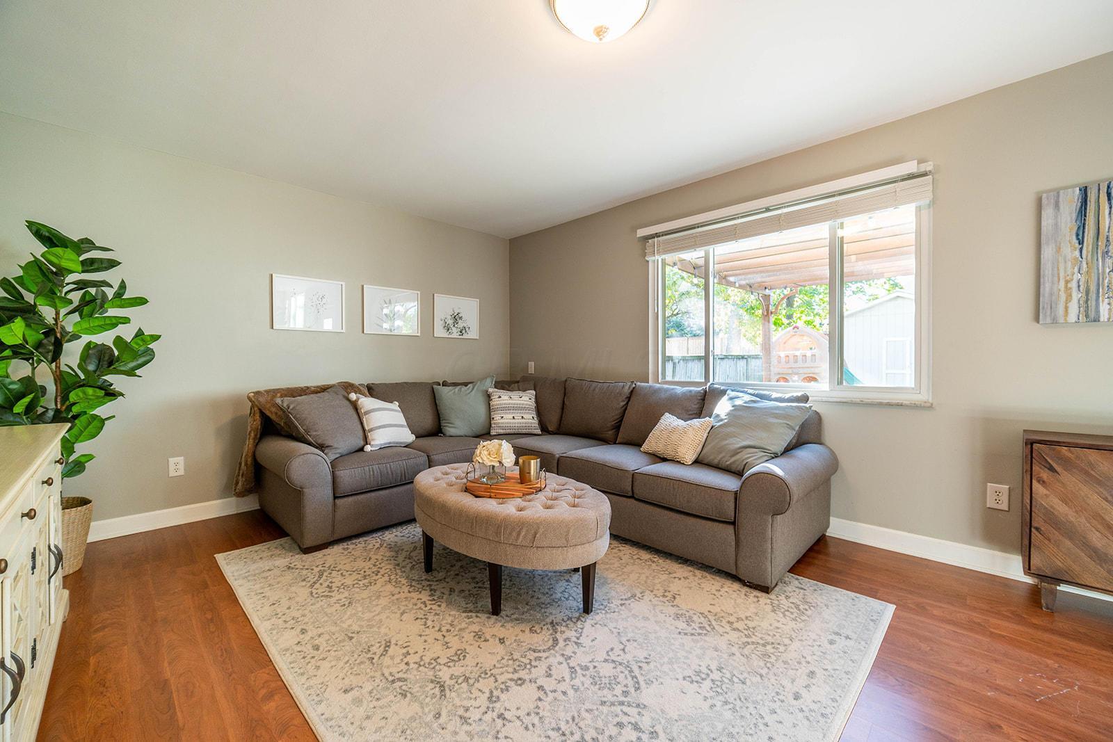 2493 Wellesley Drive, Upper Arlington, Ohio 43221, 3 Bedrooms Bedrooms, ,3 BathroomsBathrooms,Residential,For Sale,Wellesley,220039030