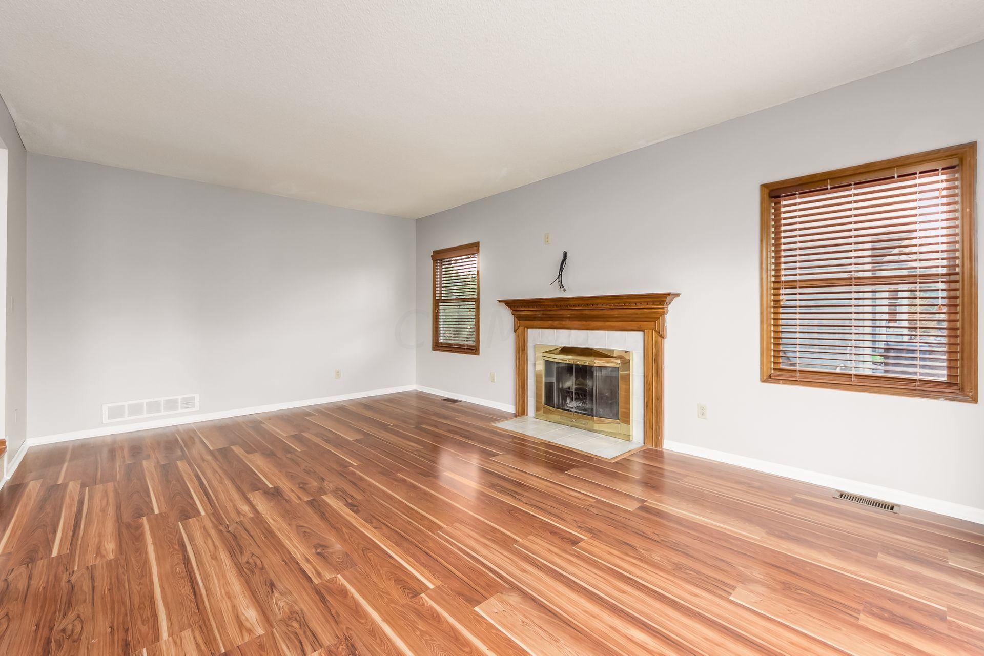 7553 Bardston Drive, Dublin, Ohio 43017, 4 Bedrooms Bedrooms, ,3 BathroomsBathrooms,Residential,For Sale,Bardston,220039505