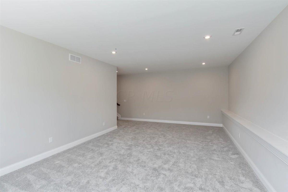 8531 Paddock Trail, Blacklick, Ohio 43004, 4 Bedrooms Bedrooms, ,4 BathroomsBathrooms,Residential,For Sale,Paddock,219043204