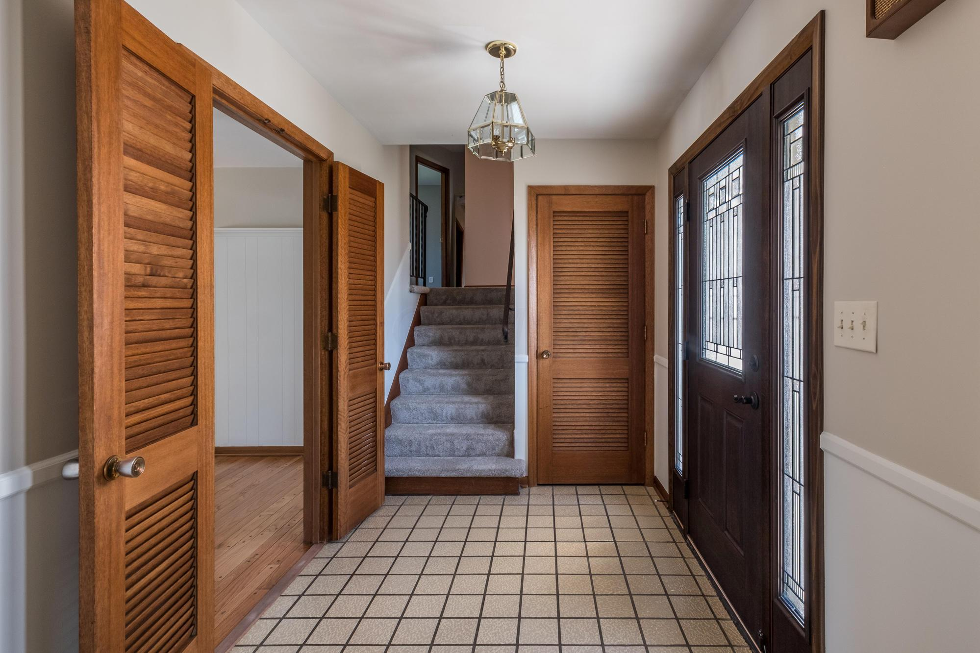 3125 Mount Holyoke Road, Upper Arlington, Ohio 43221, 4 Bedrooms Bedrooms, ,3 BathroomsBathrooms,Residential,For Sale,Mount Holyoke,220039744