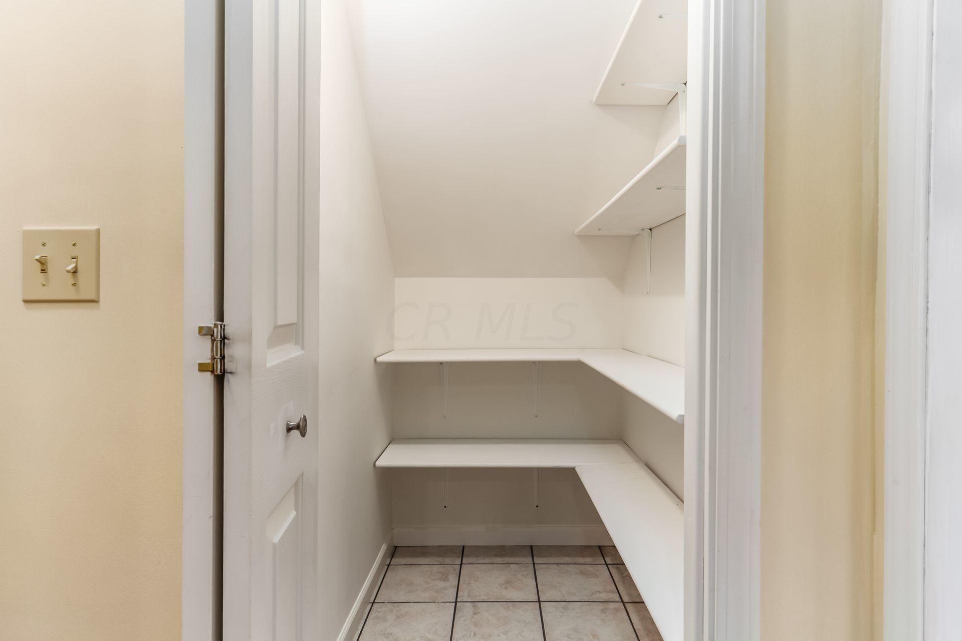 85 Buckeye Drive, Powell, Ohio 43065, 4 Bedrooms Bedrooms, ,4 BathroomsBathrooms,Residential,For Sale,Buckeye,220040003