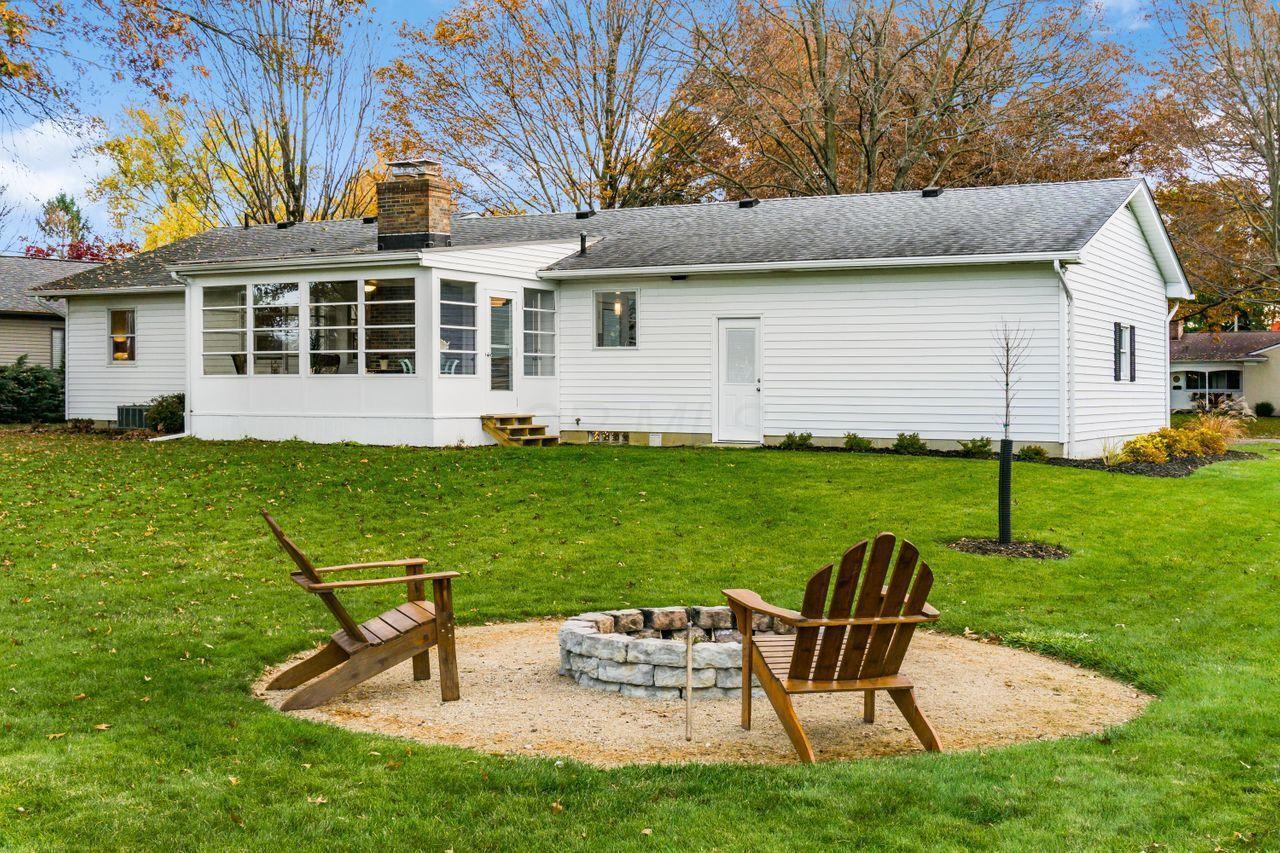 121 Boyd Drive, Worthington, Ohio 43085, 3 Bedrooms Bedrooms, ,2 BathroomsBathrooms,Residential,For Sale,Boyd,220039938