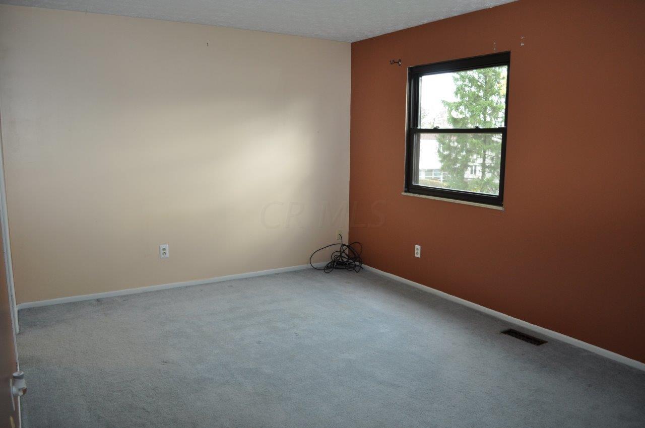 7662 Yosemite Drive, Worthington, Ohio 43085, 3 Bedrooms Bedrooms, ,2 BathroomsBathrooms,Residential,For Sale,Yosemite,220039986