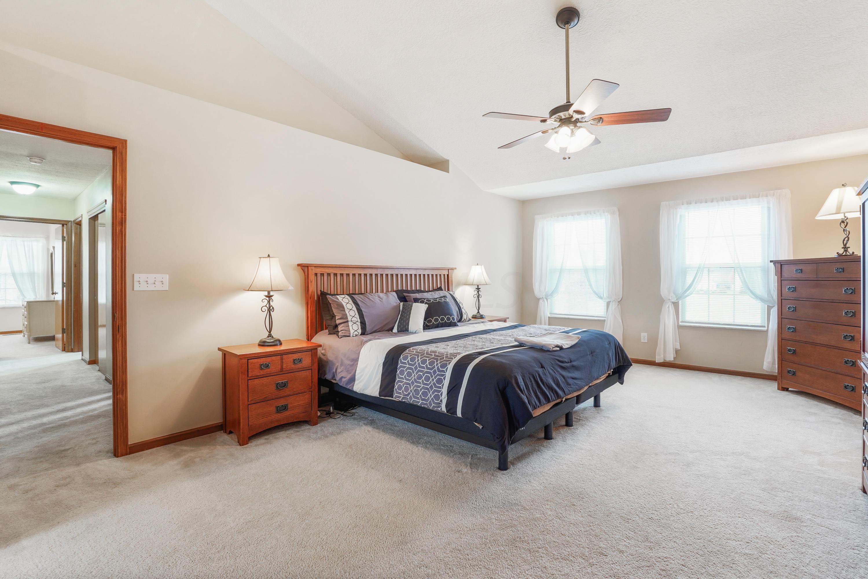 8452 Effington Way, Powell, Ohio 43065, 4 Bedrooms Bedrooms, ,3 BathroomsBathrooms,Residential,For Sale,Effington,220040017