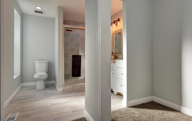 En Suite Bath (2)