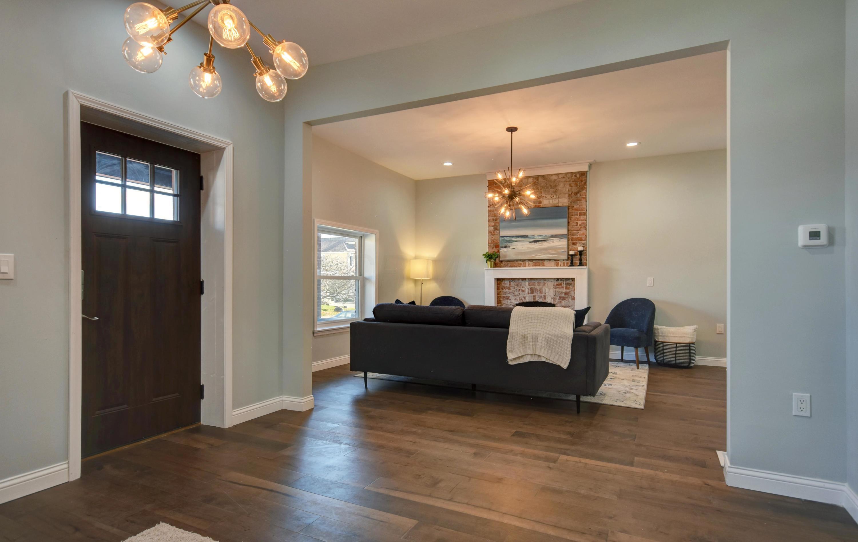 Foyer- Living Room