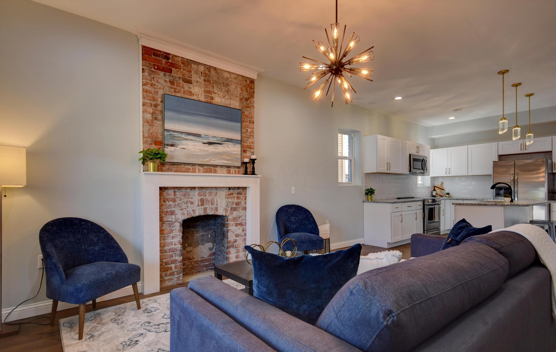 Living Room- Kitchen (2)