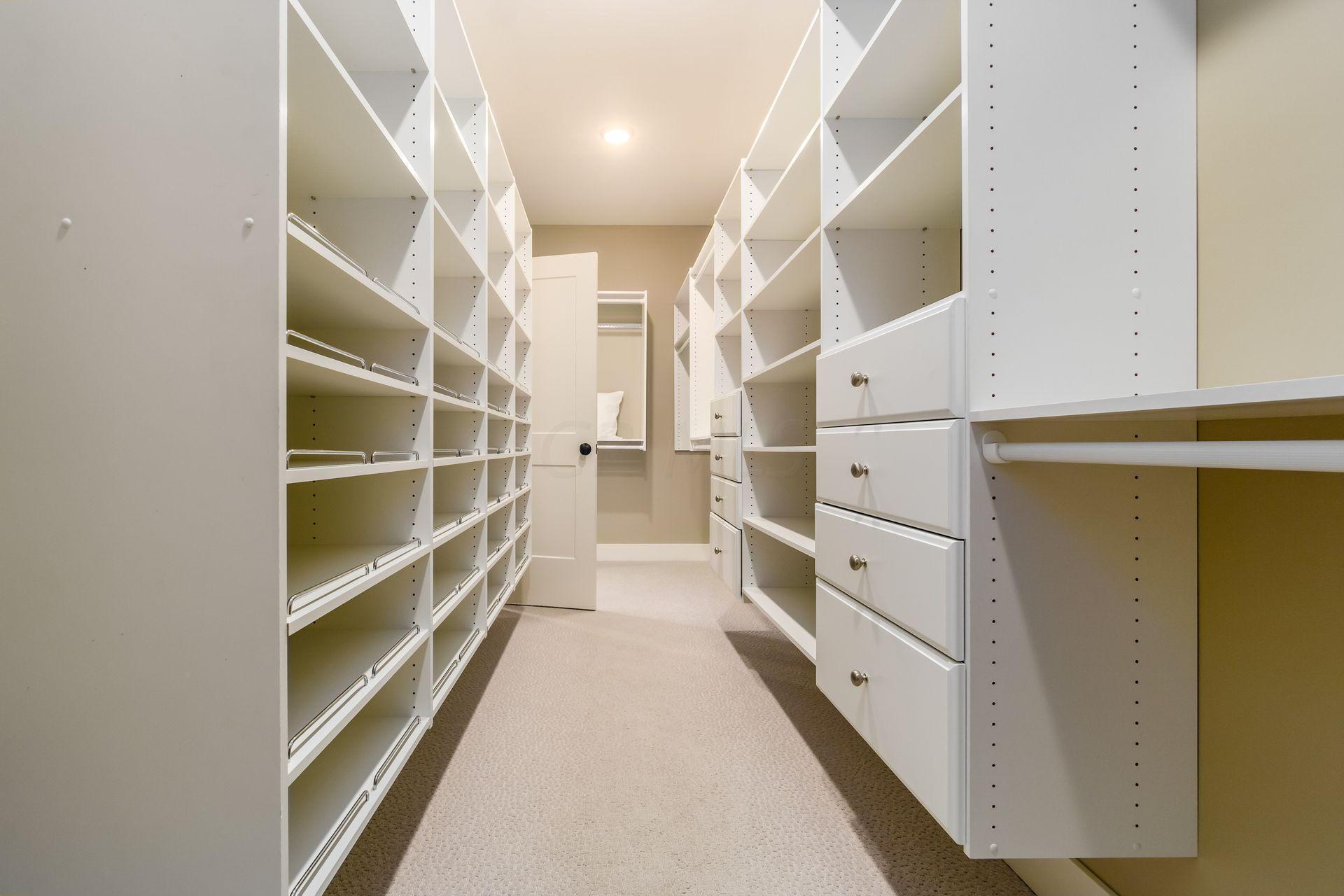 5659 Evans Farm Drive, Lewis Center, Ohio 43035, 5 Bedrooms Bedrooms, ,4 BathroomsBathrooms,Residential,For Sale,Evans Farm,220040045
