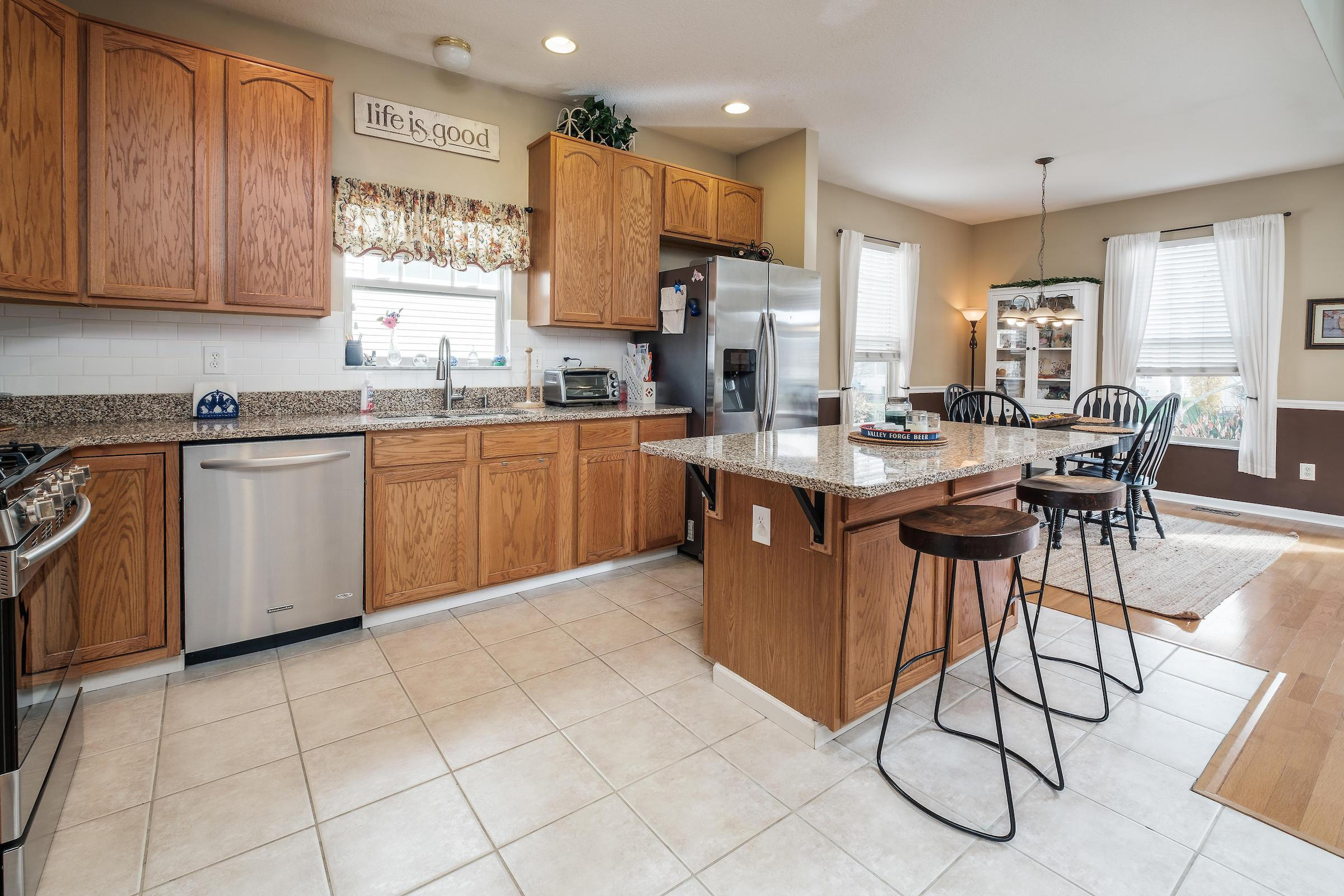 6015 Coventry Bend Drive, Hilliard, Ohio 43026, 3 Bedrooms Bedrooms, ,4 BathroomsBathrooms,Residential,For Sale,Coventry Bend,220040230