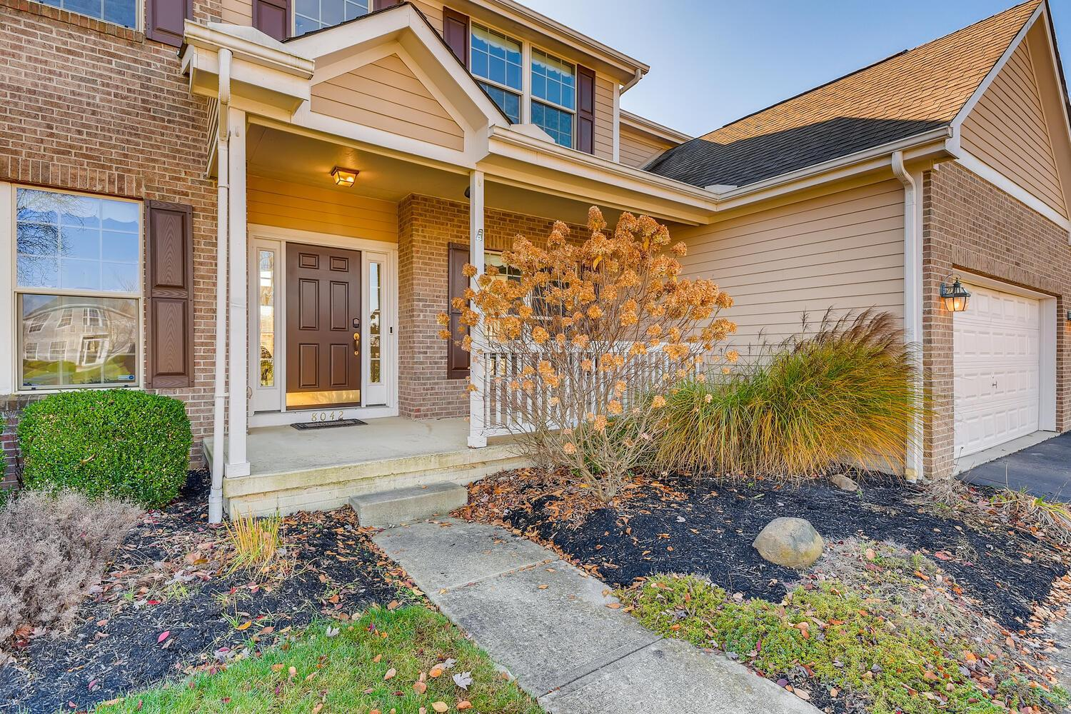 8042 Trail Lake Drive, Powell, Ohio 43065, 4 Bedrooms Bedrooms, ,3 BathroomsBathrooms,Residential,For Sale,Trail Lake,220040100