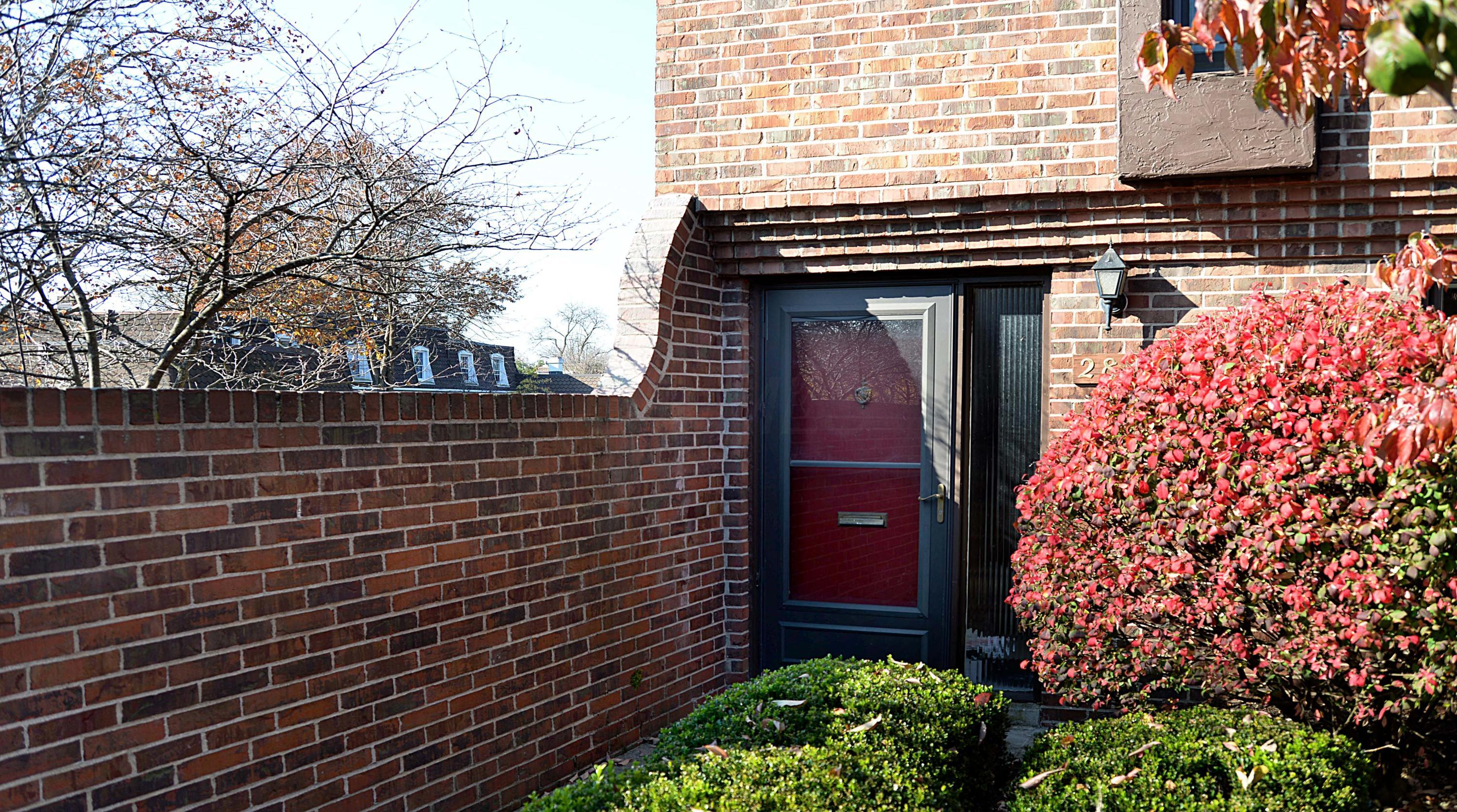 2831 Downing Way, Columbus, Ohio 43221, 2 Bedrooms Bedrooms, ,2 BathroomsBathrooms,Residential,For Sale,Downing,220040285
