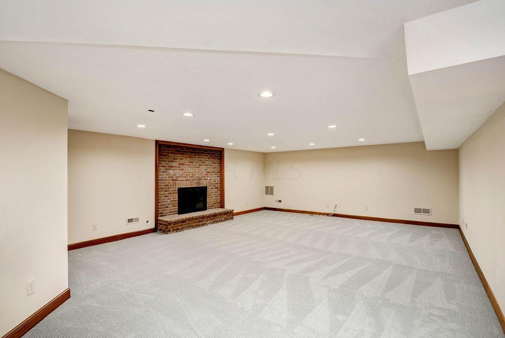 8360 Strasbourg Court, Dublin, Ohio 43017, 5 Bedrooms Bedrooms, ,7 BathroomsBathrooms,Residential,For Sale,Strasbourg,220040275