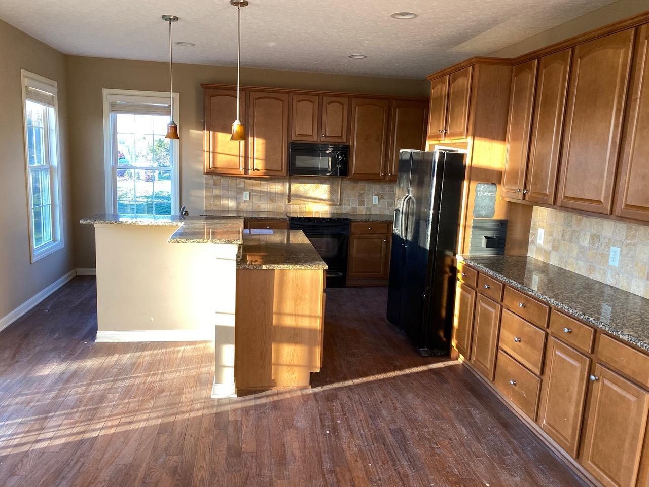 4757 Halle Circle, Hilliard, Ohio 43026, 3 Bedrooms Bedrooms, ,4 BathroomsBathrooms,Residential,For Sale,Halle,220040307