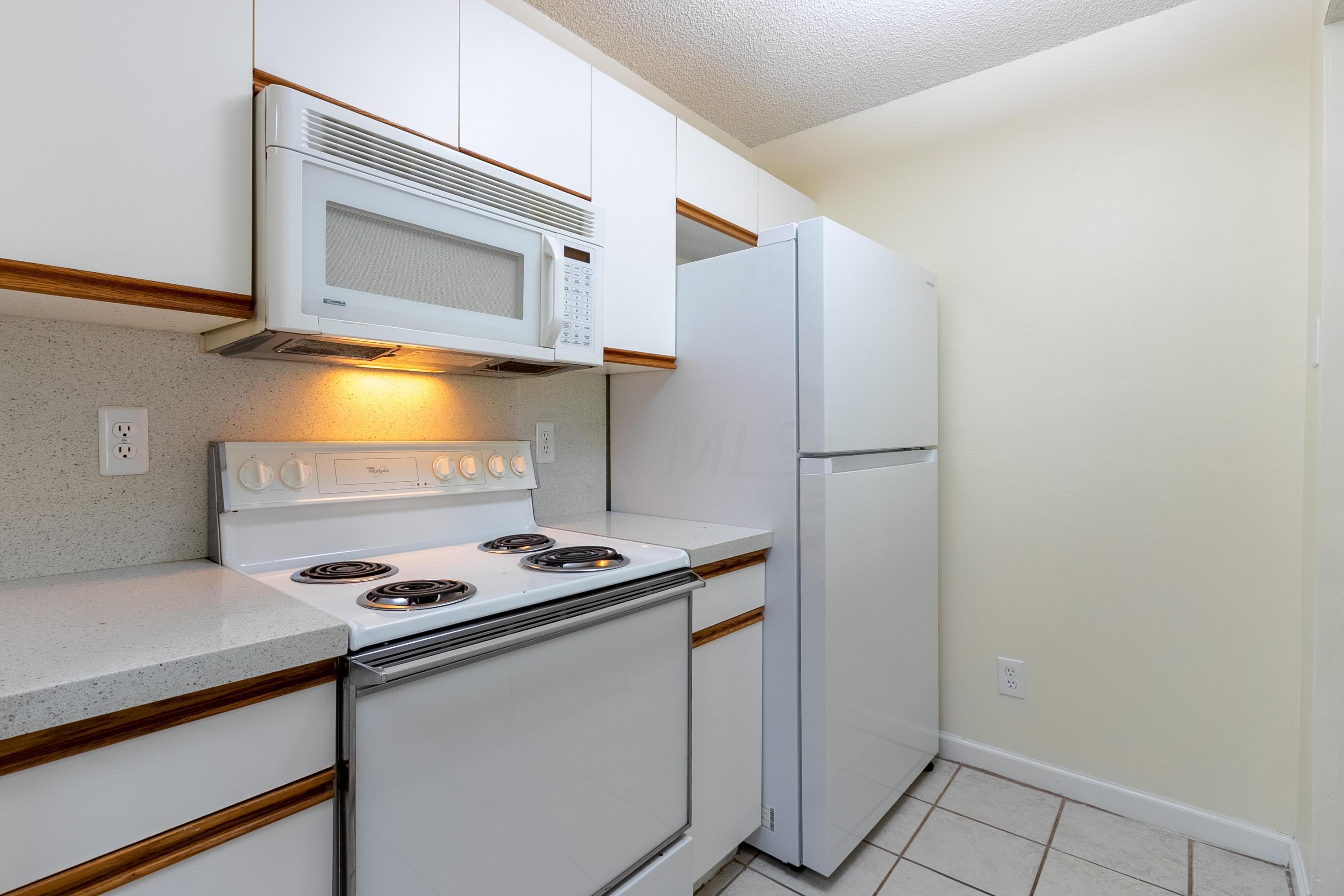 5522 Valencia Park Boulevard, Hilliard, Ohio 43026, 2 Bedrooms Bedrooms, ,3 BathroomsBathrooms,Residential,For Sale,Valencia Park,220040331