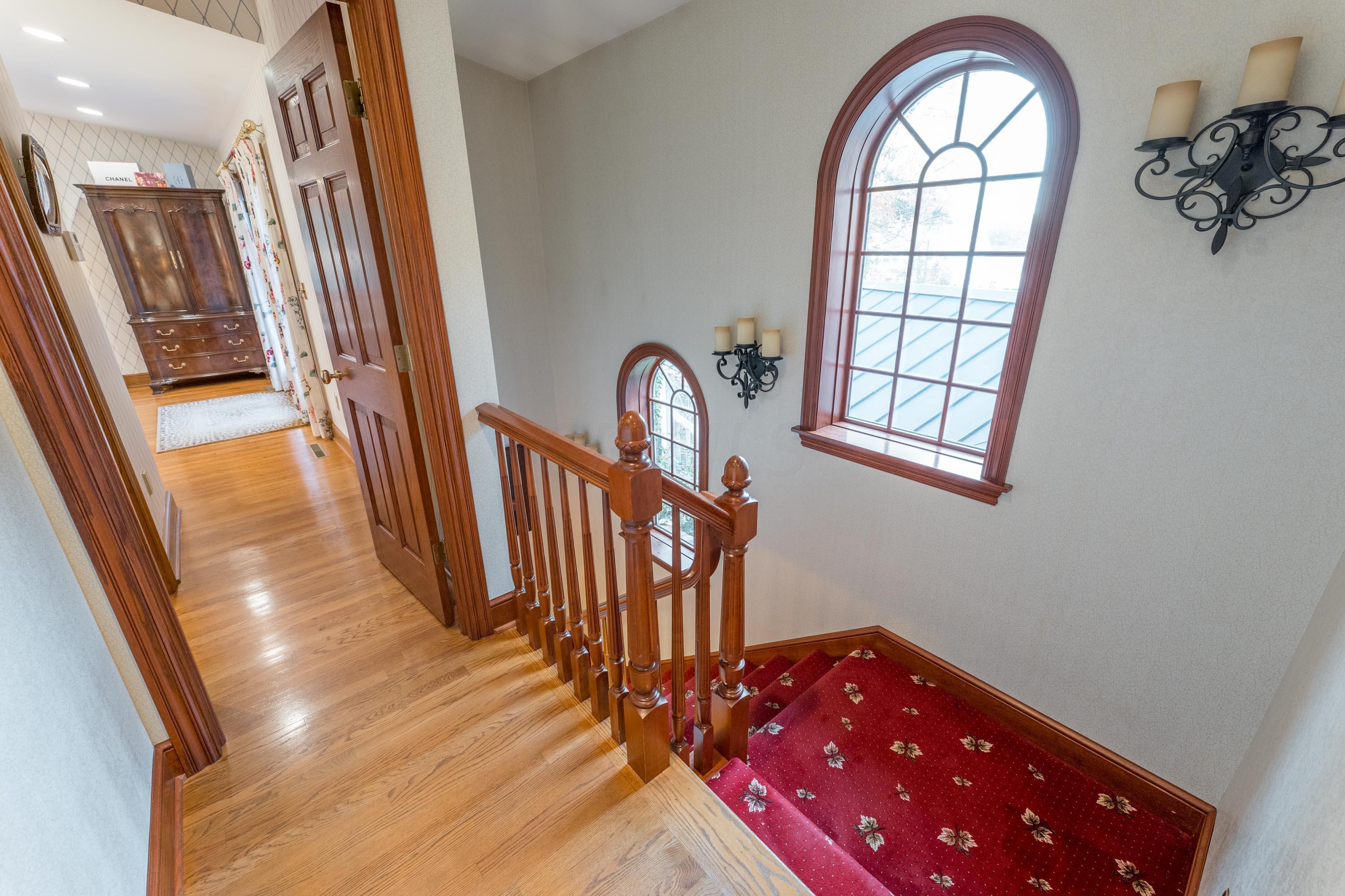 1101 Kingsdale Terrace, Columbus, Ohio 43220, 6 Bedrooms Bedrooms, ,5 BathroomsBathrooms,Residential,For Sale,Kingsdale,220040424