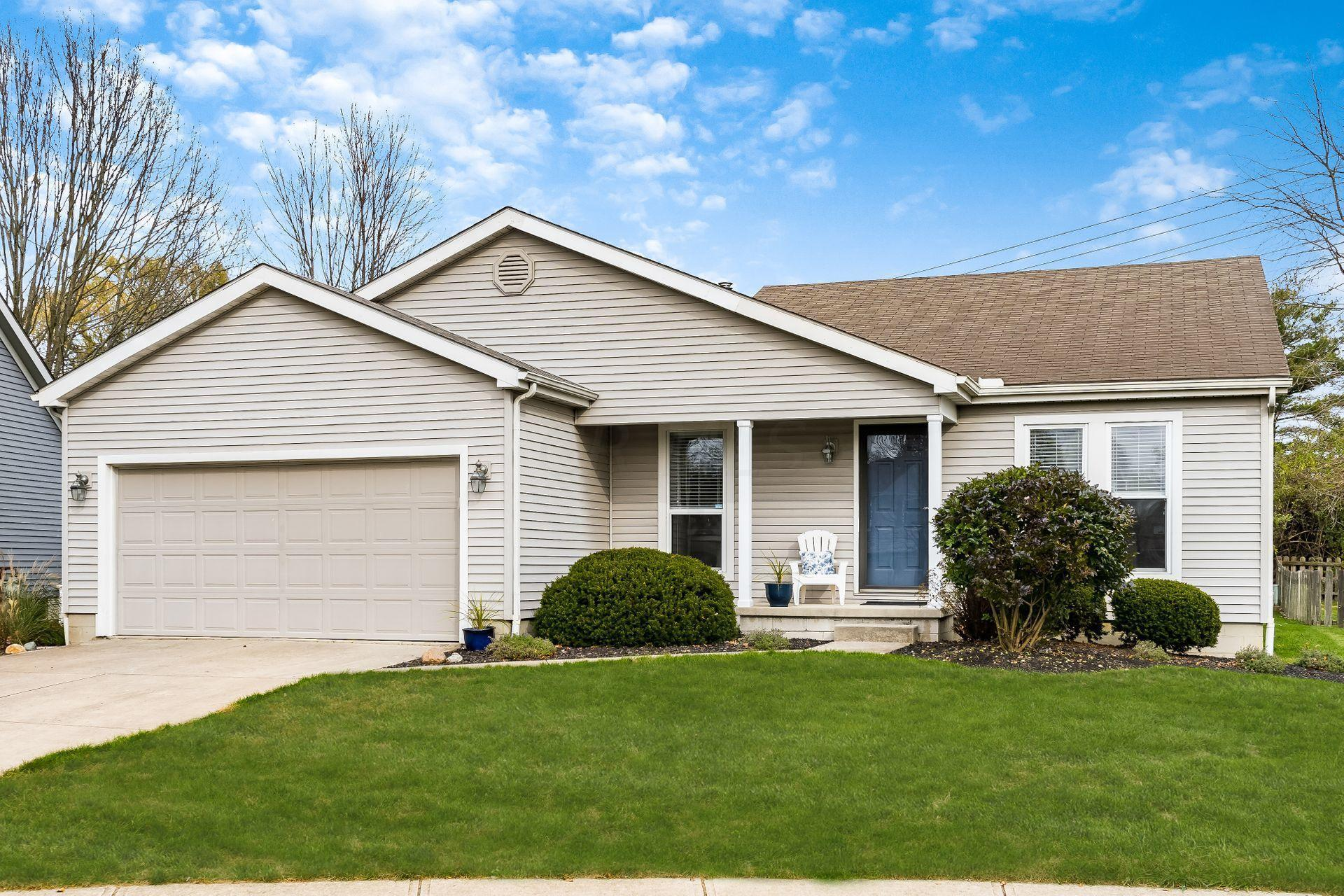1570 Grayling Court, Columbus, Ohio 43235, 3 Bedrooms Bedrooms, ,2 BathroomsBathrooms,Residential,For Sale,Grayling,220040427