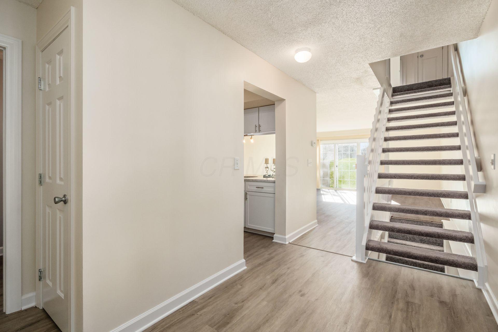 2517 Dahlia Way, Columbus, Ohio 43235, 2 Bedrooms Bedrooms, ,3 BathroomsBathrooms,Residential,For Sale,Dahlia,220040557