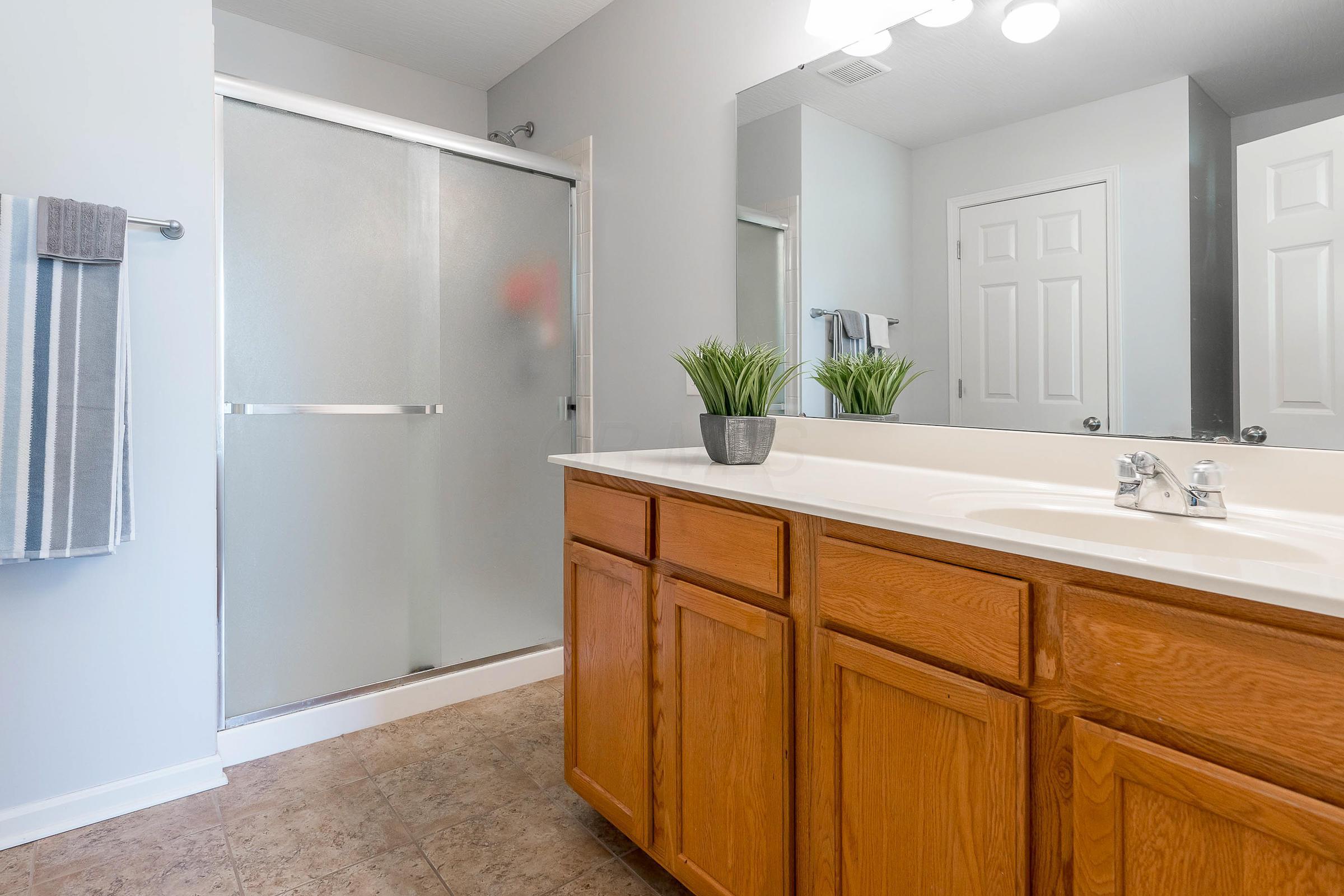 5491 Lehman Meadows Drive, Canal Winchester, Ohio 43110, 3 Bedrooms Bedrooms, ,3 BathroomsBathrooms,Residential,For Sale,Lehman Meadows,220040827