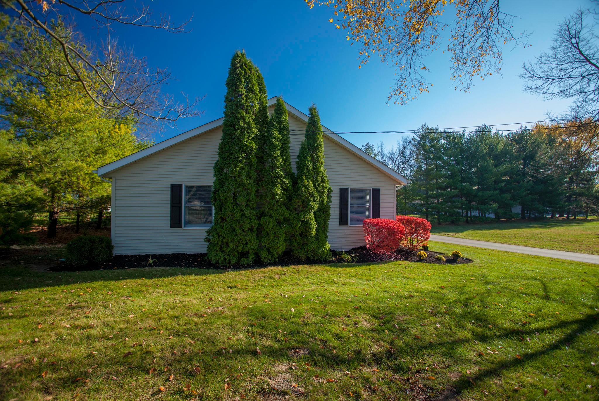 36 Oneida Drive, Powell, Ohio 43065, 3 Bedrooms Bedrooms, ,2 BathroomsBathrooms,Residential,For Sale,Oneida,220040639