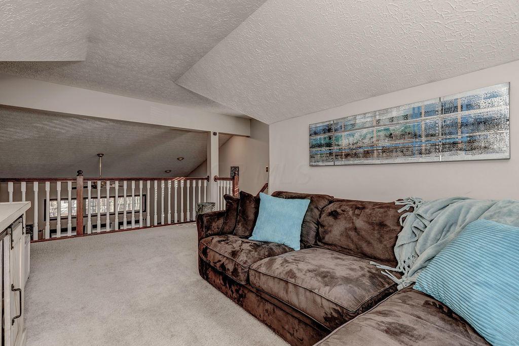 286 Tree Haven Avenue, Powell, Ohio 43065, 4 Bedrooms Bedrooms, ,3 BathroomsBathrooms,Residential,For Sale,Tree Haven,220040831