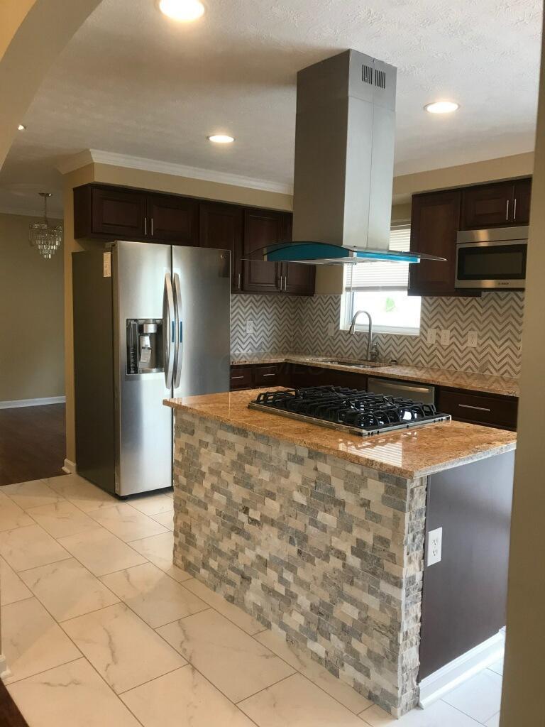 5040 Shady Oak Drive, Hilliard, Ohio 43026, 3 Bedrooms Bedrooms, ,2 BathroomsBathrooms,Residential,For Sale,Shady Oak,220040540
