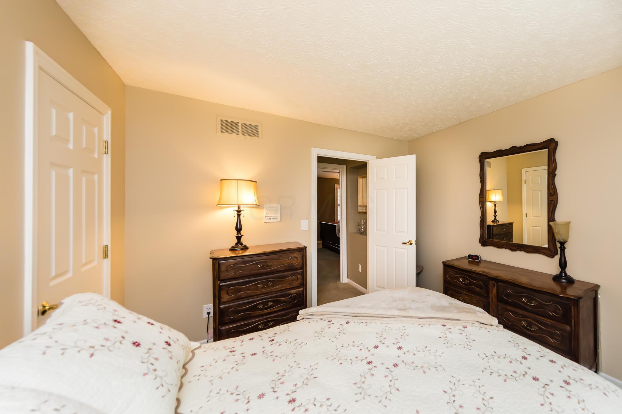 6218 Wynford Drive, Dublin, Ohio 43016, 4 Bedrooms Bedrooms, ,3 BathroomsBathrooms,Residential,For Sale,Wynford,220040686