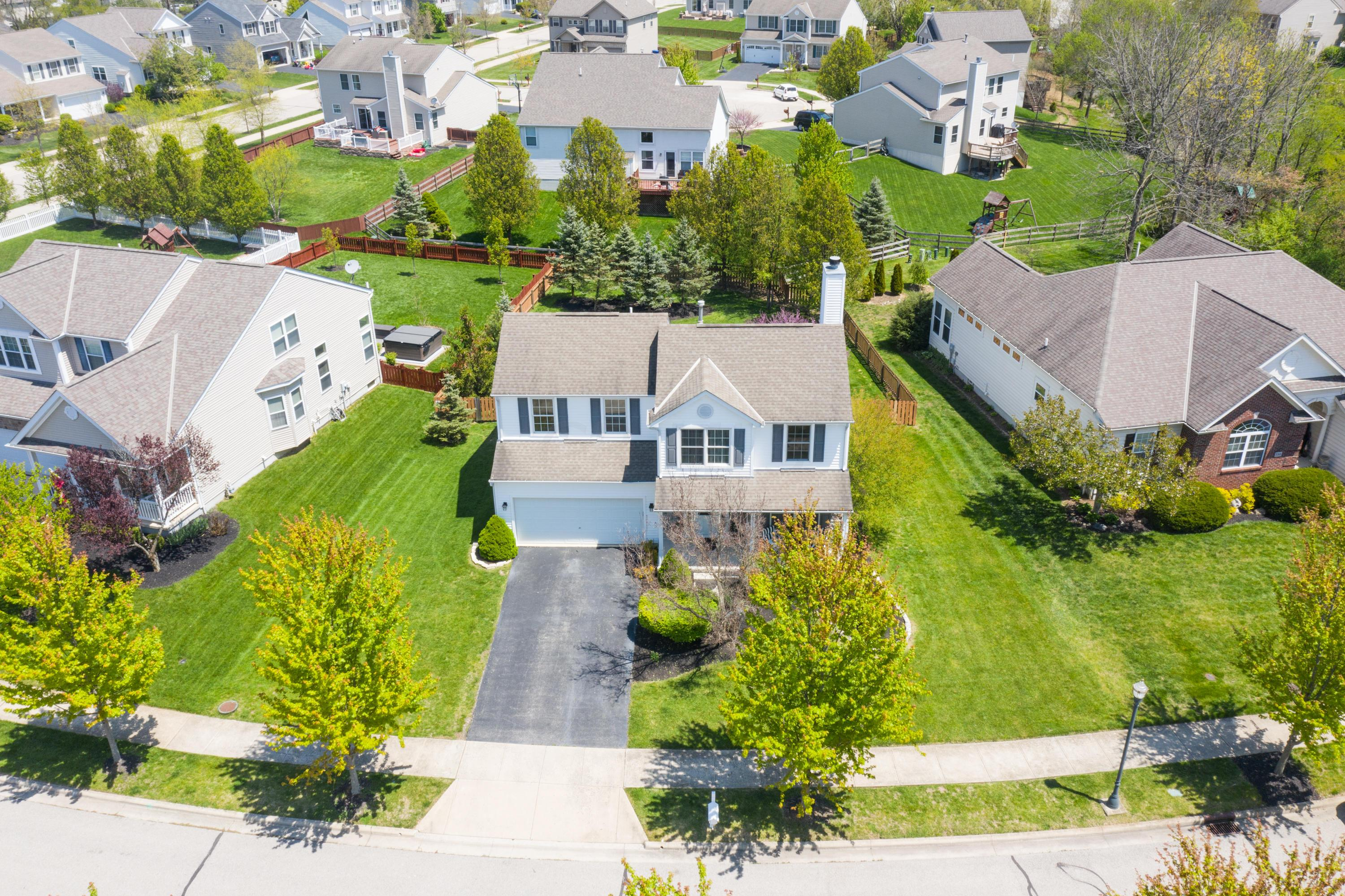 398 Amber Light Circle, Delaware, Ohio 43015, 4 Bedrooms Bedrooms, ,3 BathroomsBathrooms,Residential,For Sale,Amber Light,220040820
