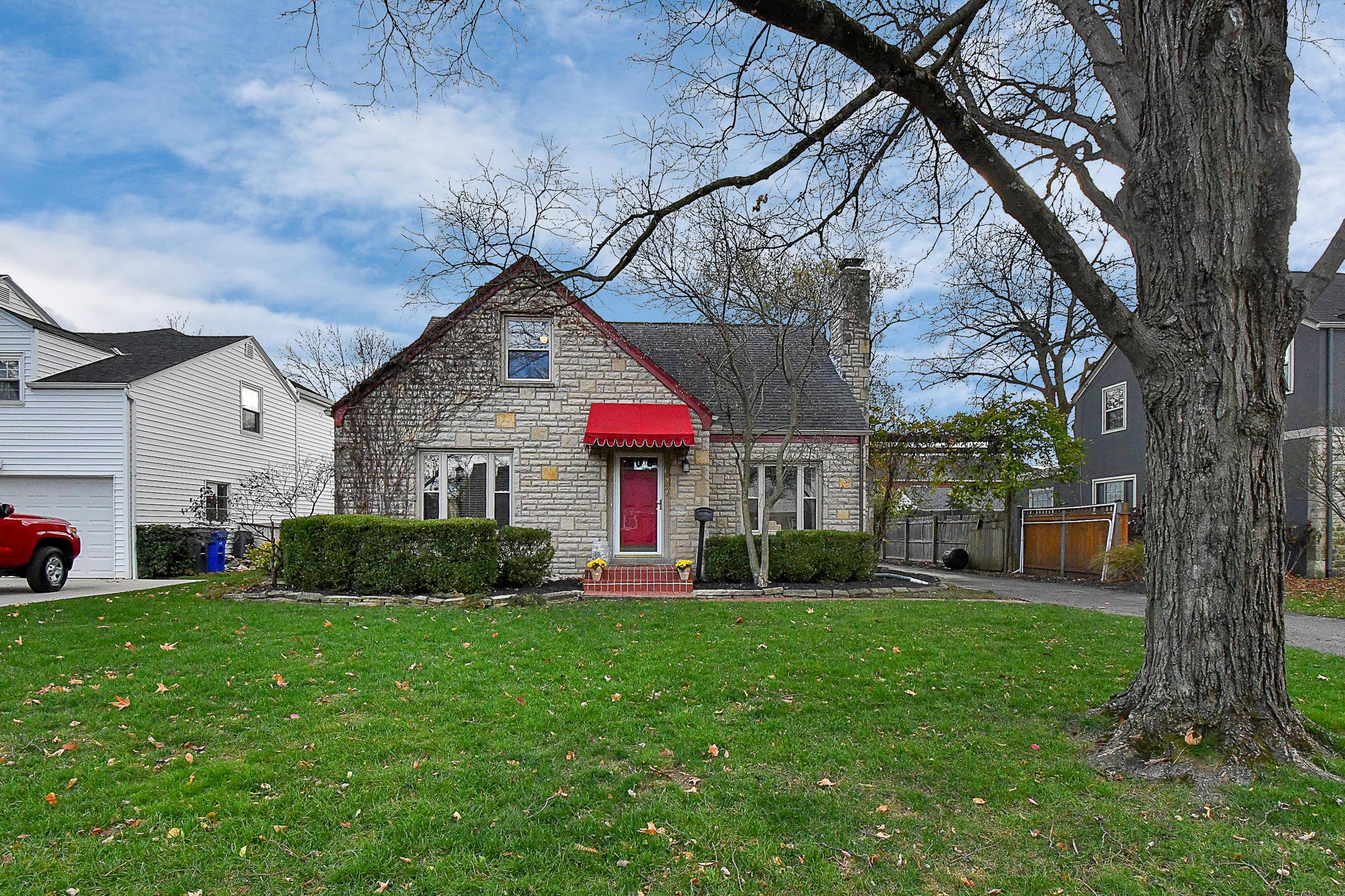 1537 Barrington Road, Columbus, Ohio 43221, 3 Bedrooms Bedrooms, ,3 BathroomsBathrooms,Residential,For Sale,Barrington,220040857