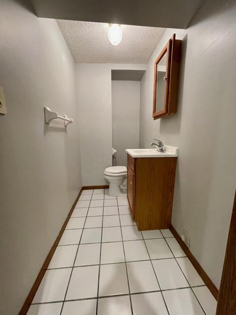 5093 Springdale Boulevard, Hilliard, Ohio 43026, 3 Bedrooms Bedrooms, ,2 BathroomsBathrooms,Residential,For Sale,Springdale,220040811