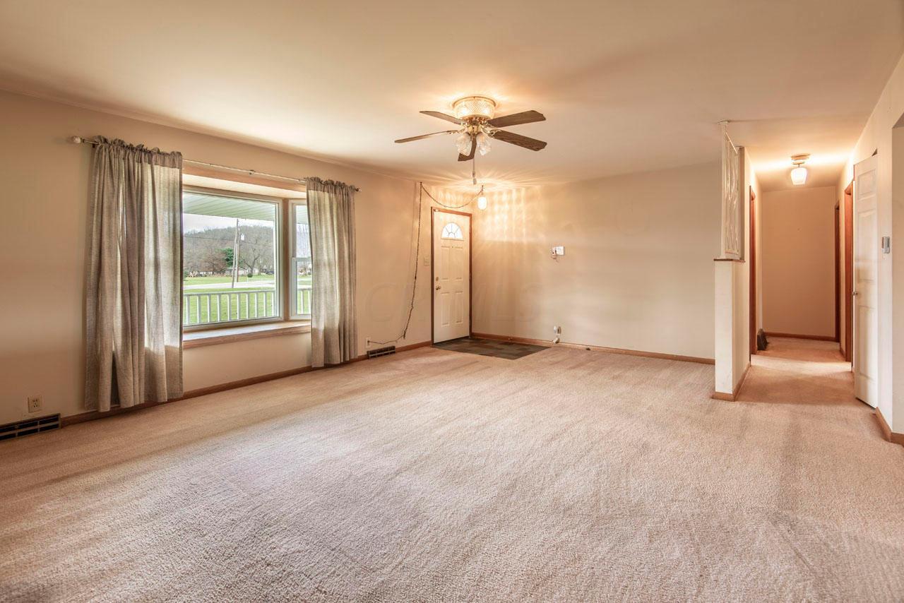 4596 Marion Road, Newark, Ohio 43055, 3 Bedrooms Bedrooms, ,2 BathroomsBathrooms,Residential,For Sale,Marion,220040879