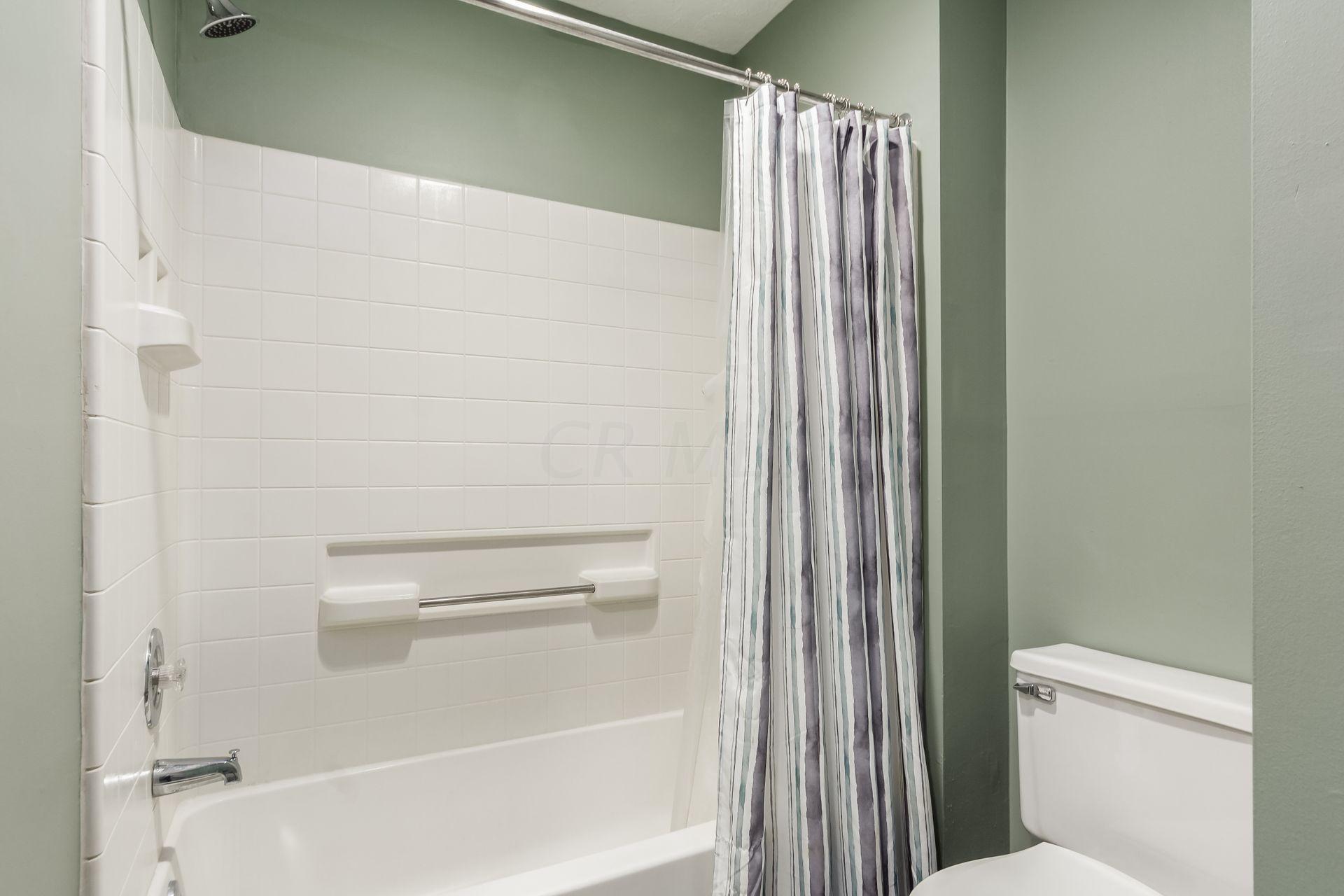 3605 Hilliard Station Road, Hilliard, Ohio 43026, 2 Bedrooms Bedrooms, ,2 BathroomsBathrooms,Residential,For Sale,Hilliard Station,220040899