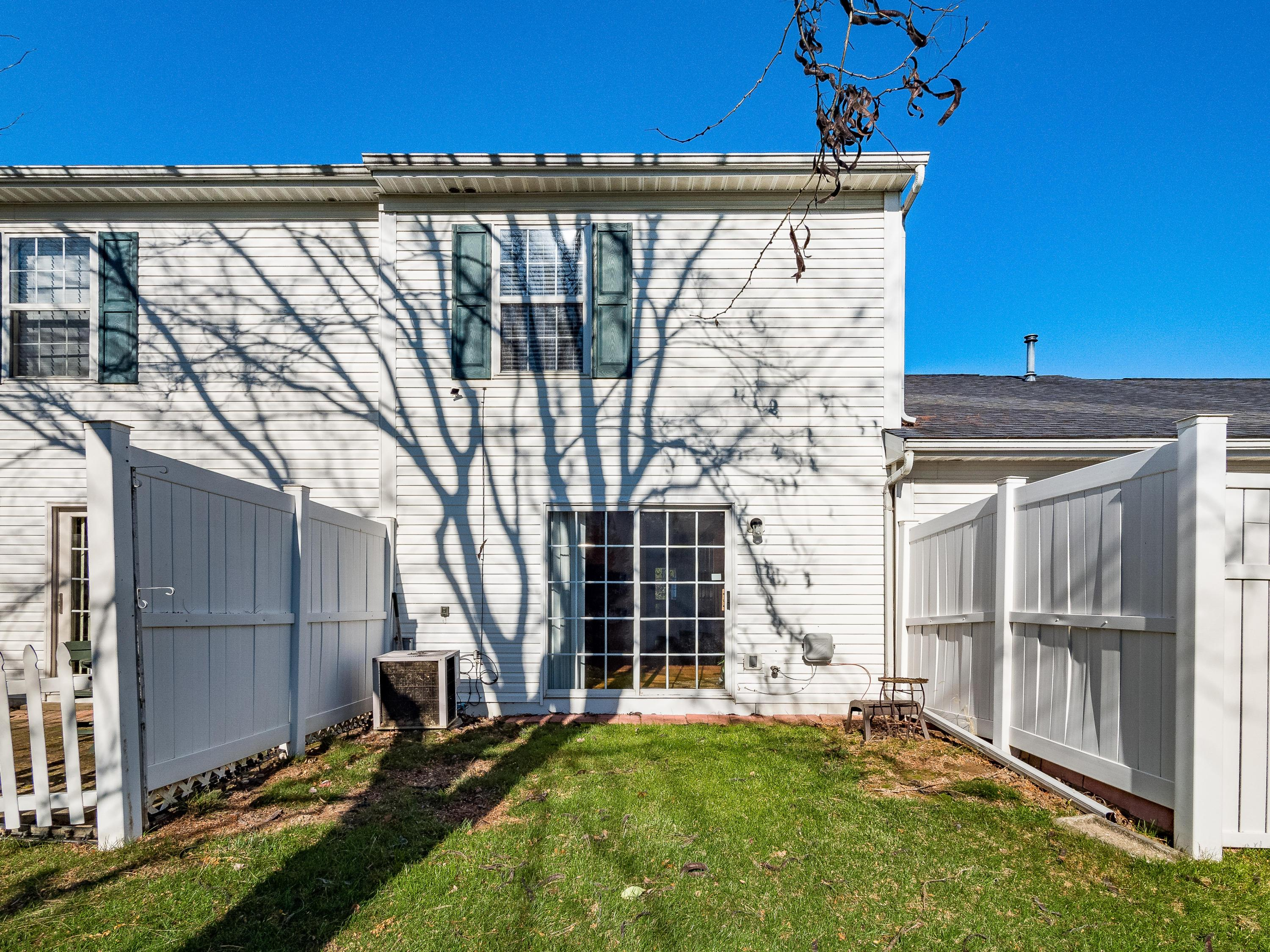 6693 Axtel Drive, Canal Winchester, Ohio 43110, 2 Bedrooms Bedrooms, ,3 BathroomsBathrooms,Residential,For Sale,Axtel,220040904