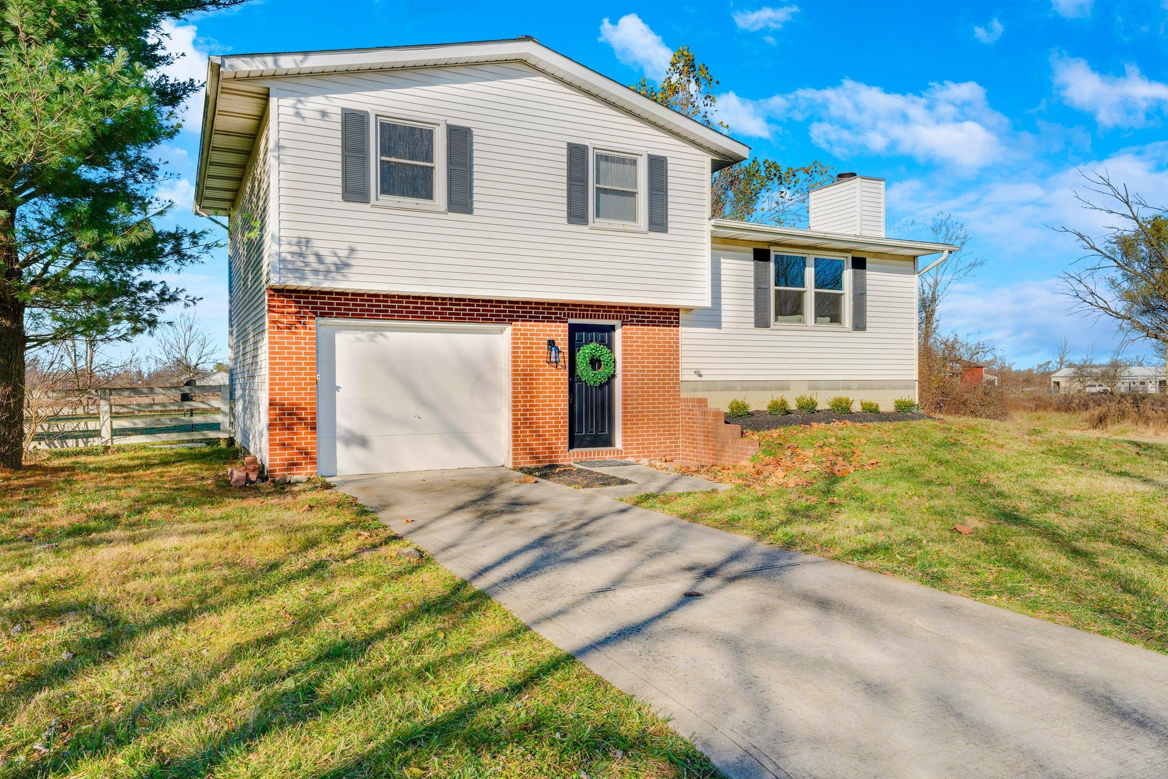 7951 Tippet Road, New Albany, Ohio 43054, 3 Bedrooms Bedrooms, ,1 BathroomBathrooms,Residential,For Sale,Tippet,220040974