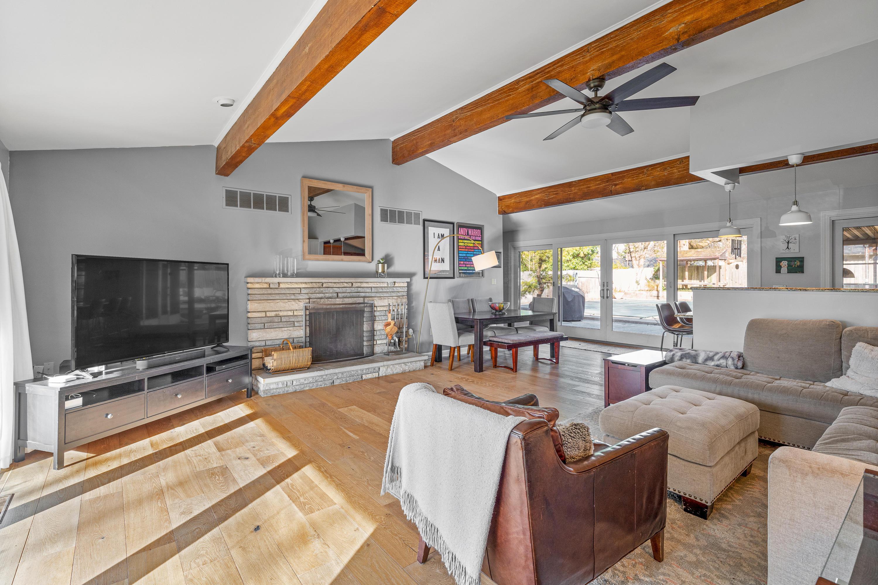 2500 Johnston Road, Columbus, Ohio 43220, 3 Bedrooms Bedrooms, ,2 BathroomsBathrooms,Residential,For Sale,Johnston,220040998