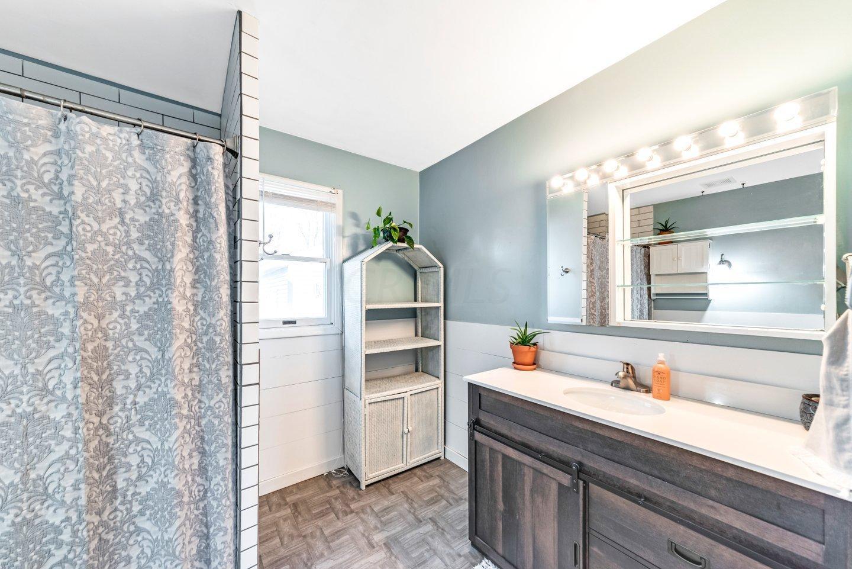 717 Robinwood Avenue, Columbus, Ohio 43213, 3 Bedrooms Bedrooms, ,1 BathroomBathrooms,Residential,For Sale,Robinwood,220041048